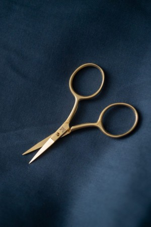 Fine Work Gold Scissors - saks fra Merchant & Mills
